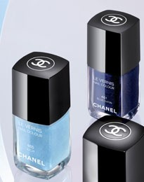vernis_blue_satin_chanel