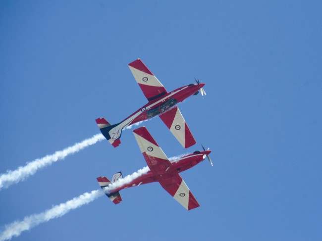 royal-australian-air-force-roulettes_1