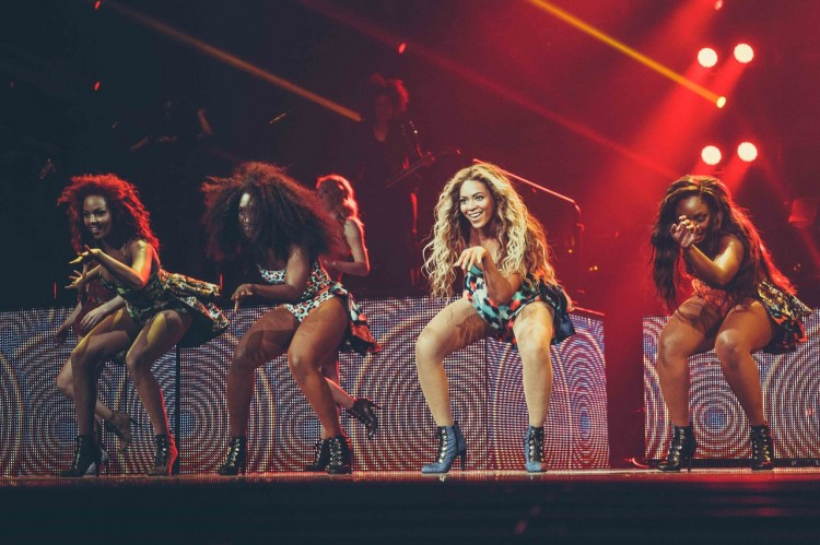 beyonce-mrs-carter-tour-grown-woman