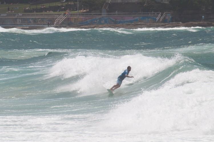 sydney-bondi-beach-surf-2