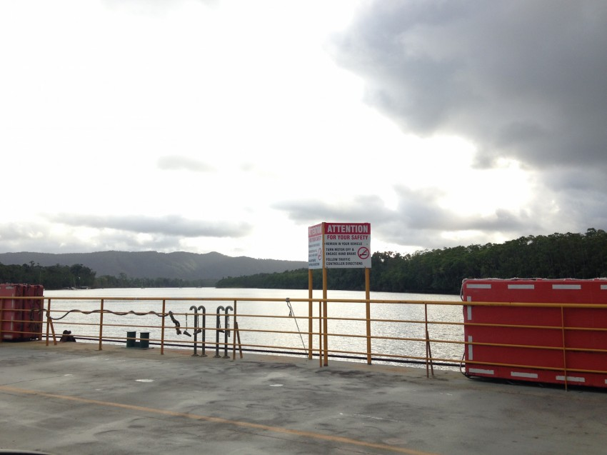 australie-queensland- daintree-cable-ferry-2