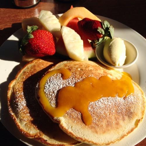australie-queensland-airlie-beach-capers-breakfast