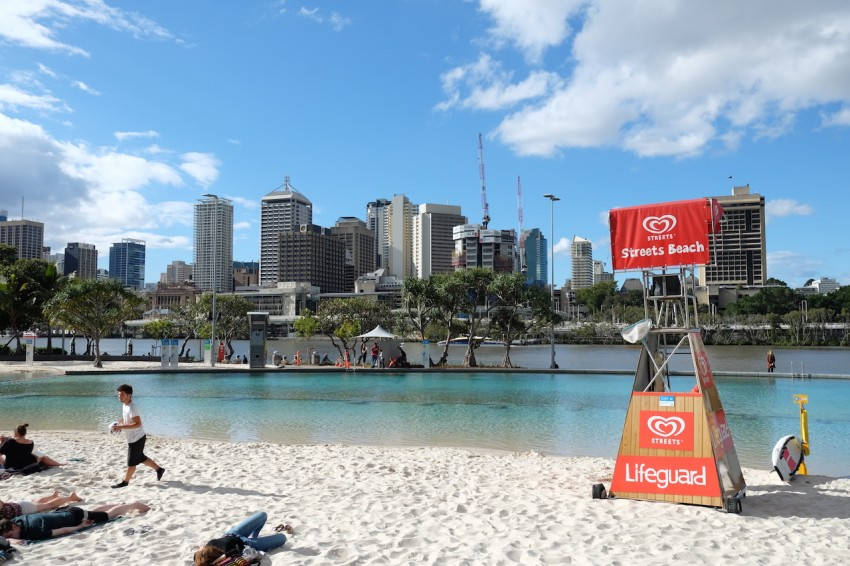 australie-brisbane-south-bank-parklands-lagon-streets-beach