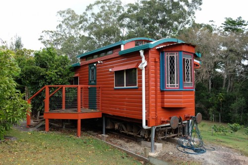 australie-queensland-glass-house-mountains-ecolodge-queenslander-train-carriage